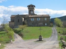 L'église des Salelles -- Le dos de l'église des Salelles, pour découvrir sa façade,  venez donc sur place... Ou soyez patient, elle sera sur le site dans quelques temps.
